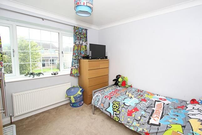 Picture No.11 of Middlecliff Rise, Waterthorpe, Sheffield, South Yorkshire S20
