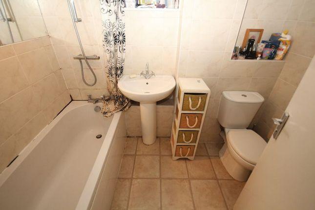 Bathroom of Stoneyvale Court, Queensway, Rochdale OL11
