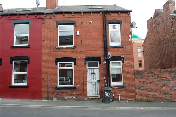 Thumbnail Terraced house to rent in Woodview Mount, Beeston, Leeds