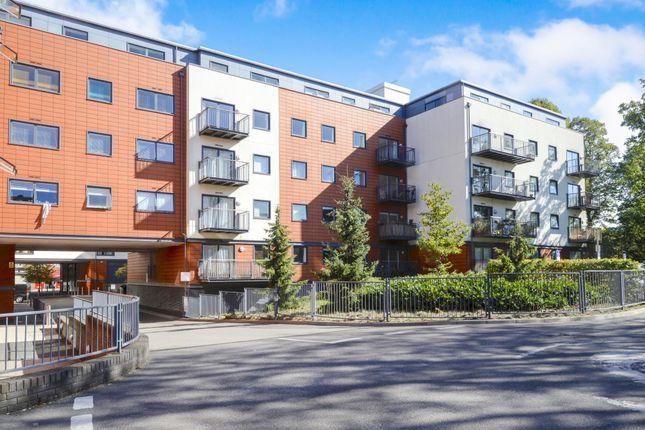 2 bed flat to rent in Epsom, Surrey KT17