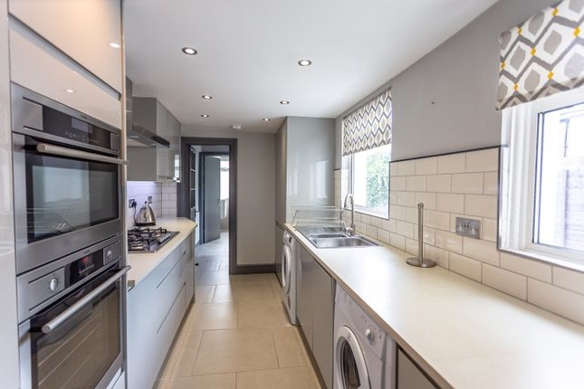 Thumbnail Semi-detached house to rent in Ealing Road, Brentford