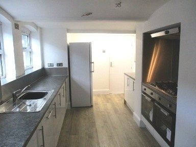 Thumbnail Shared accommodation to rent in London Road, Newcastle, Newcastle Under Lyme