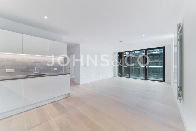 Thumbnail Flat to rent in Summerston House, Royal Wharf