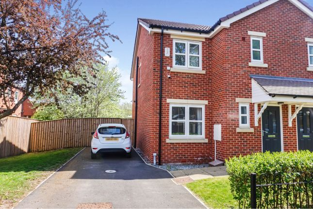 3 bed mews house for sale in Thornhill Road, Leeds LS12