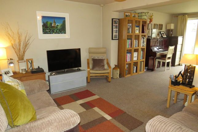 Thumbnail Terraced house for sale in Duttons Close, Snitterfield, Stratford-Upon-Avon