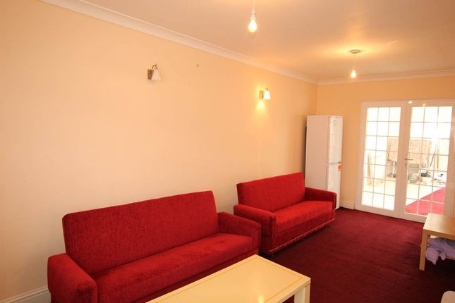 Thumbnail Property to rent in Chaucer Avenue, Hayes, Middlesex