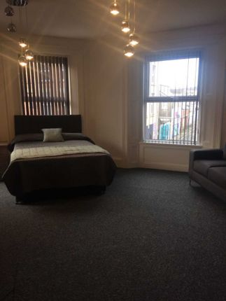 Thumbnail Shared accommodation to rent in Humphrey Street, Mount Pleasant, Swansea