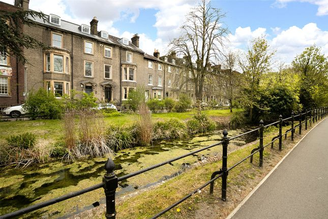 Thumbnail Terraced house for sale in Brookside, Cambridge
