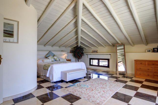 Superb Wooden Beamed Ceiling