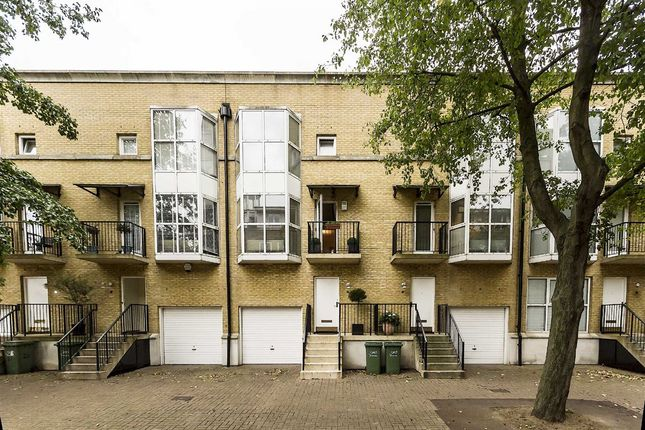 Thumbnail Terraced house to rent in Princes Court, London