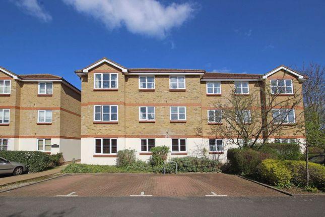 Thumbnail Flat to rent in Braddock Close, Isleworth