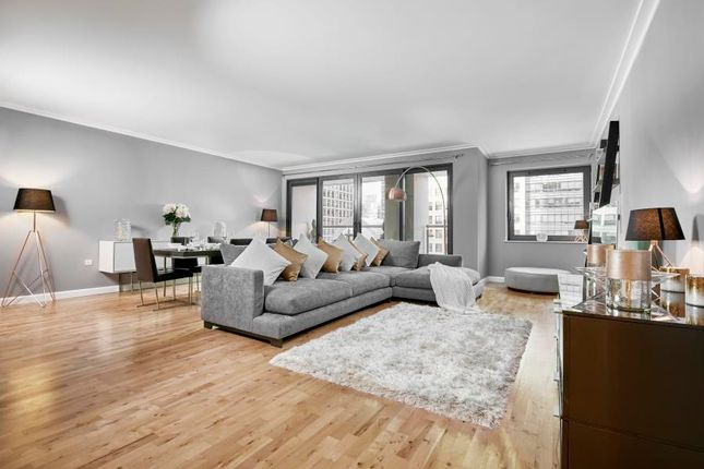 Thumbnail Flat to rent in Discovery Dock, Canary Wharf