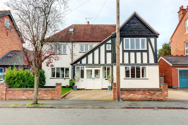 Thumbnail Detached house for sale in Victoria Avenue, Droitwich