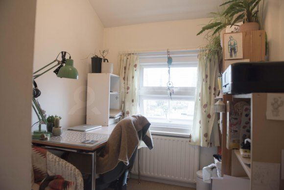 Thumbnail Shared accommodation to rent in Victoria Road, Wrexham