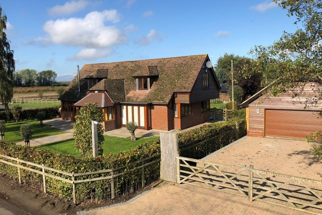Thumbnail Barn conversion to rent in Warehorn Road, Ash, Canterbury