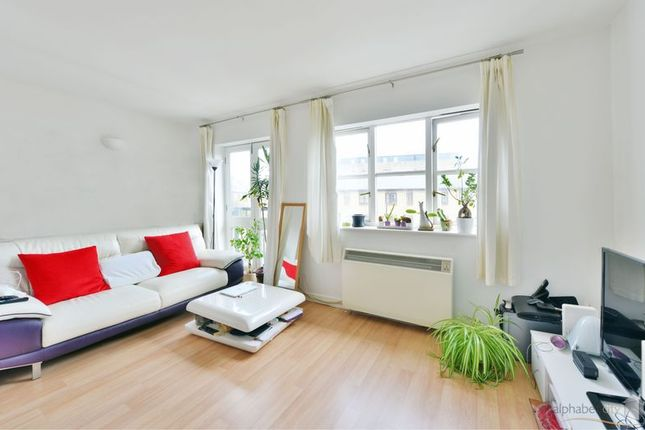 Thumbnail Flat to rent in Observatory Mews, London