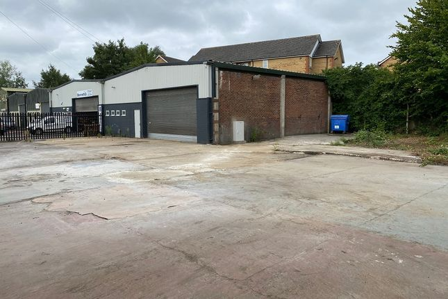 Thumbnail Warehouse to let in Warehams Lane, Hertford
