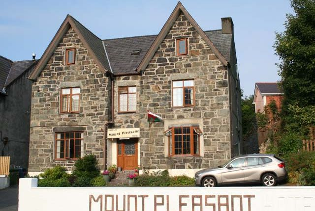 Thumbnail Hotel/guest house for sale in High Street, Llanberis