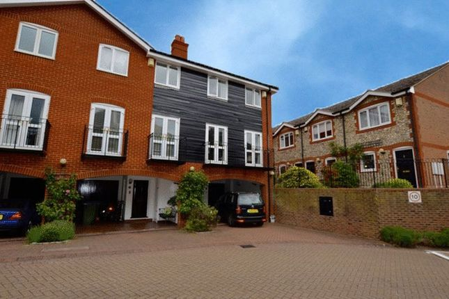 Thumbnail Town house to rent in Harvest Lane, Thames Ditton