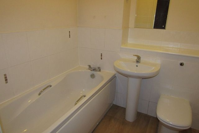 Main Bathroom of Hatters Court, Higher Hillgate, Stockport SK1