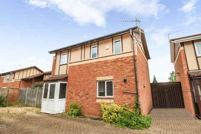 Thumbnail Property to rent in Long Pasture, Werrington, Peterborough