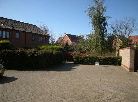 Thumbnail Town house to rent in Staplehurst Close, Carlton Colville, Lowestoft