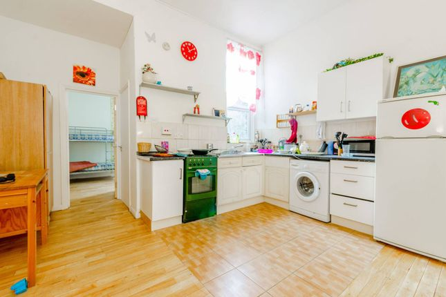 Thumbnail Flat to rent in Corporation Street, Plaistow