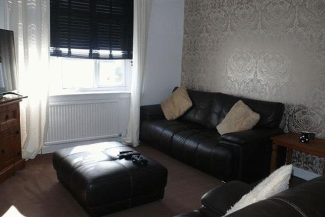 Thumbnail Flat for sale in Faskine Avenue, Calderbank, Airdrie