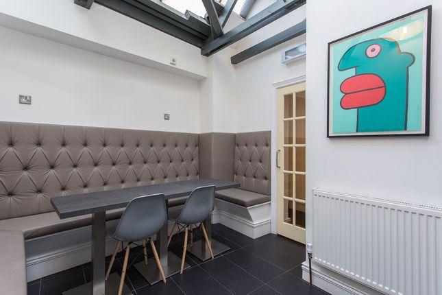 Communal Kitchen of Shoreditch High Street, London E1