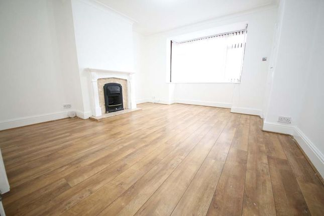 Thumbnail Terraced house to rent in Barkly Road, Leeds