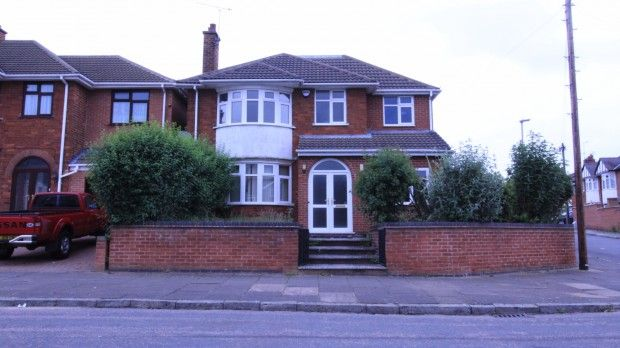 Thumbnail Detached house for sale in Romway Road, Leicester