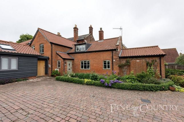Thumbnail Property for sale in Blands Farm Close, Palgrave, Diss