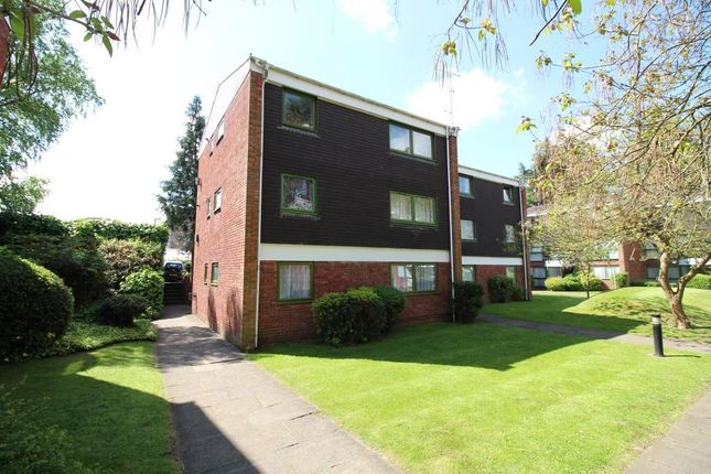 Thumbnail Flat for sale in West Fryerne, Parkside Road, Reading
