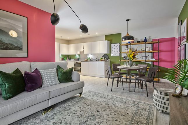 Flat for sale in Swan Street, Old Isleworth