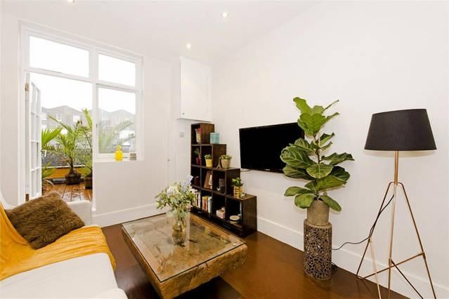 Thumbnail Flat to rent in Bristol Gardens, London
