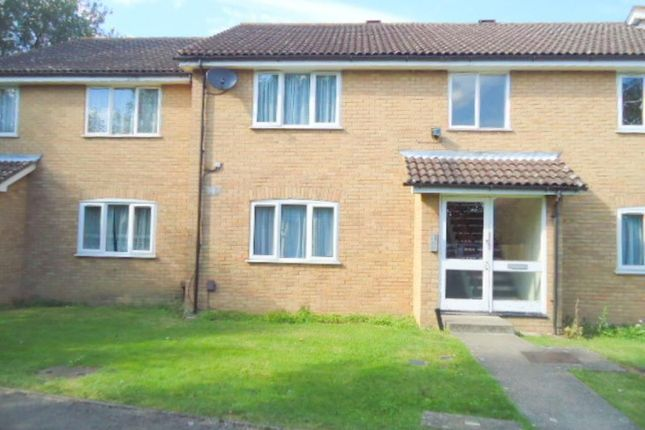 Thumbnail Flat to rent in Sarita Close, Harrow Wealdstone, Middlesex