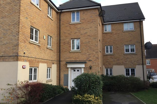 2 bed flat for sale in Genas Close, Ilford IG6