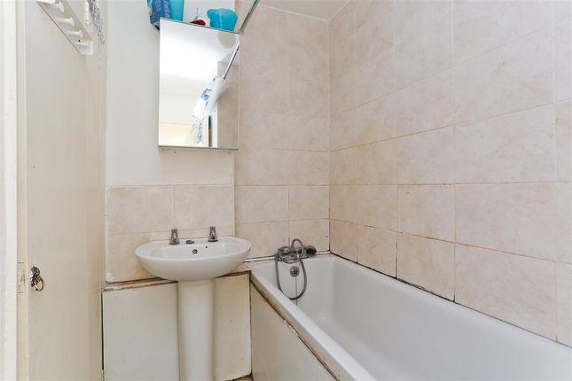 Bathroom of Mackenzie House, Ainsworth Close, London NW2