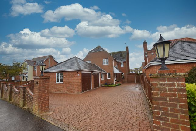 Thumbnail Detached house for sale in Fingringhoe Road, Langenhoe, Colchester