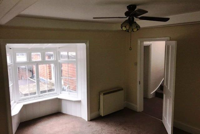 Thumbnail Flat to rent in St. Johns South, High Street, Winchester