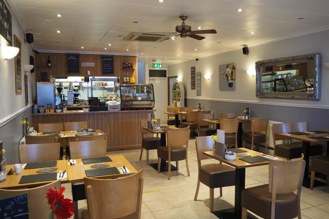 Thumbnail Restaurant/cafe for sale in Cafe & Sandwich Bars S70, South Yorkshire