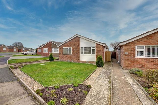 3 bed detached bungalow for sale in Milland Road, Hailsham BN27