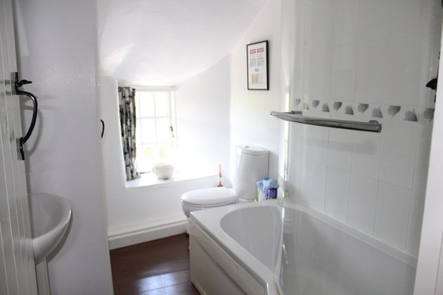 Bathroom of Galmpton, Kingsbridge TQ7
