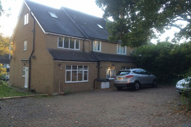 3 bed flat for sale in Foxley Lane, Purley