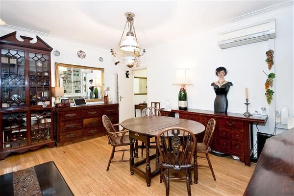 2 bed flat for sale in Portman Square, Mayfair