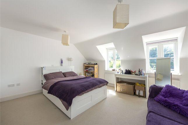Picture No. 01 of Blackmore Way, Blackmore End, Hertfordshire AL4