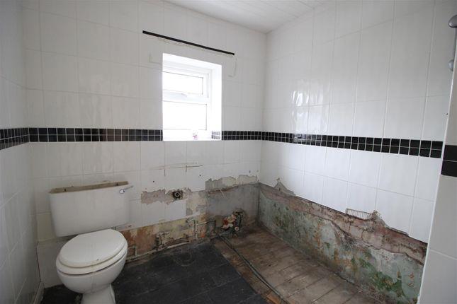 Bathroom of Hundens Lane, Darlington DL1