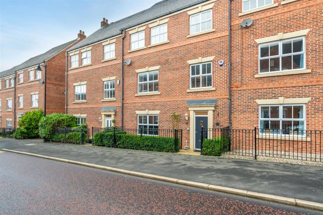 5 bed terraced house for sale in Featherstone Grove, Great Park, Newcastle Upon Tyne NE3