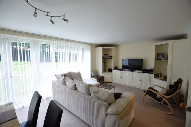 Thumbnail Flat to rent in Cedar Gardens, Sutton