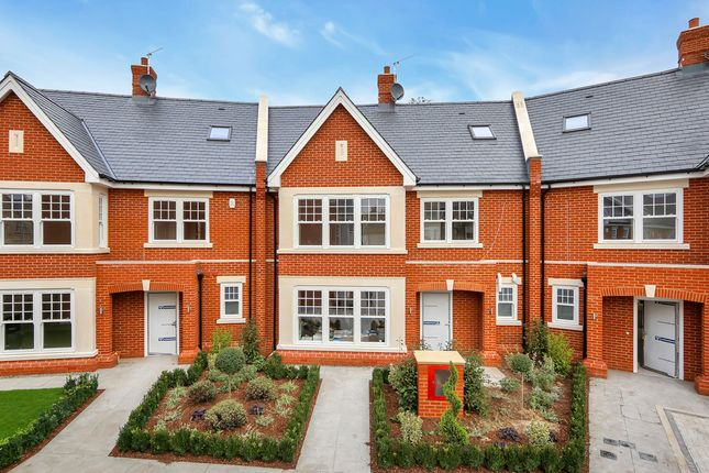 Thumbnail Property for sale in Hideaway Mews, Chiswick, London